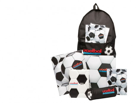 Studio Barbara Vos | Design Voetbal International bags and pencilcases 2012 Back to school for New Edition
