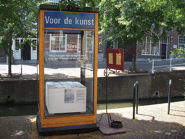 Studio Barbara Vos | Voor de kunst telefooncel Delft Kleinste Museum